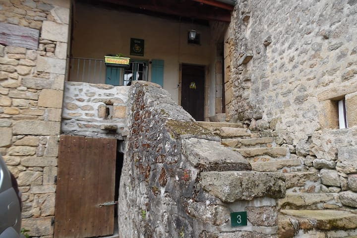 Le Planchon - Authentic Gite with stunning views - Balledent - Guesthouse