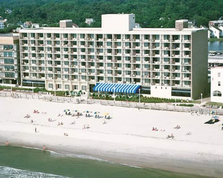 Barclay Towers Ocean Front 1, Virginia Beach