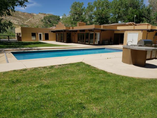 West Zion Rustic Ranch House. Nature, Fish, Swim!