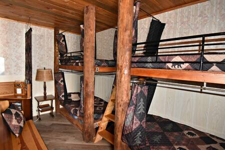 Alaskan Stoves Hostel: Common Area Bunk-B