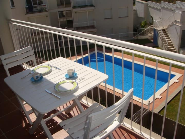 305 Apartment to rent with a terrace and a communal pool