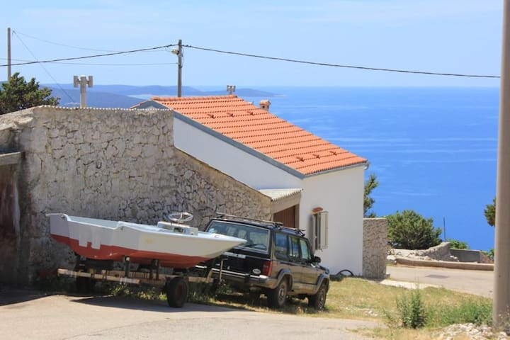 Two bedroom house with terrace and sea view Ustrine (Cres) (K-8037)