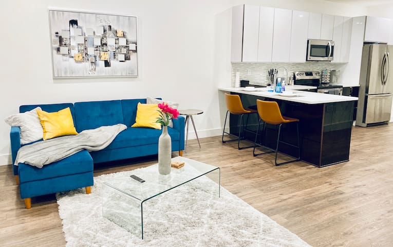 ❤️Modern Apt near Center City/ FREE street parking