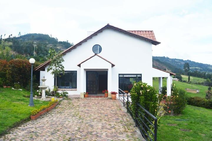 Paipa Country House Lakos. Wifi. Work from home