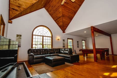 BT-Chateau-style Home/Luxury/Affordable/Close to NYC
