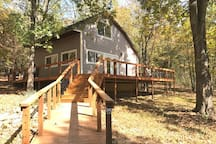 Buttonwood cabin, Table rock lake,   Branson area