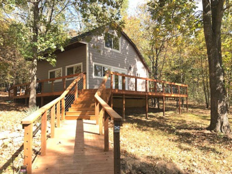Buttonwood cabin, Table rock lake,   Branson area