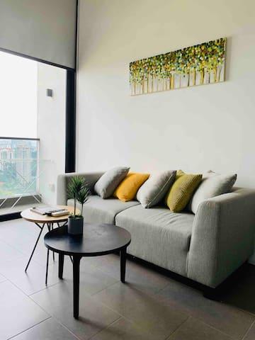 Lynhomes 27 EST duplex loft KL Sental LRT Bangsar