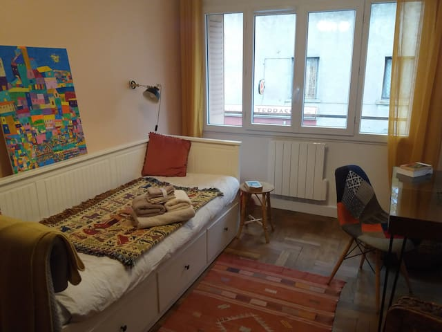 Bed and breakfast in a cosy apartment