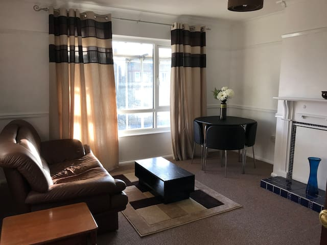 Lovely Bright Flat, close to old town