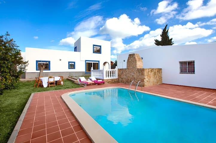 Villa Brillante Ibiza - Wonderful Villa with Pool