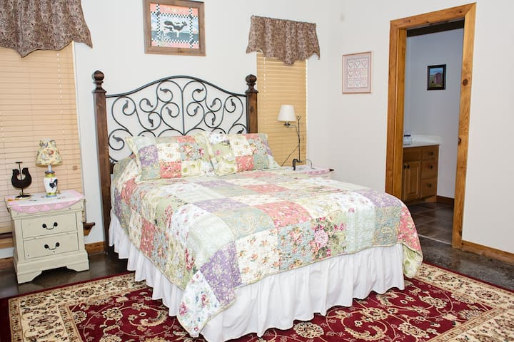"""""""Rhode Island Red"""" Room at Durham's Roost B&B"""