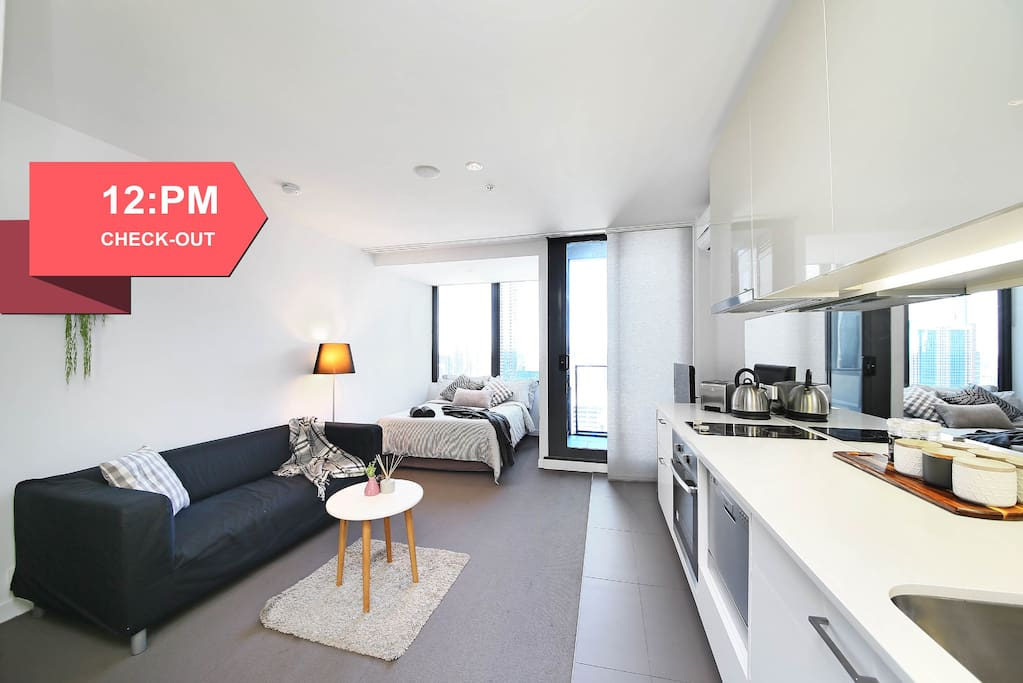 Top of the world cbd studio apartments for rent in for Furnished studio rent melbourne