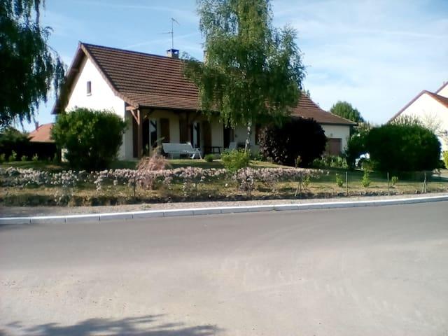 Maison Bourgogne - Sevrey - Casa