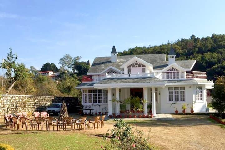 A nature lovers retreat in the Himalayan Foothills