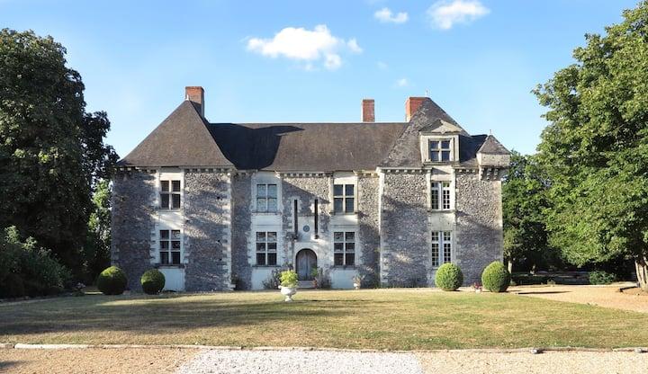 maison de gardien proche du Chateau