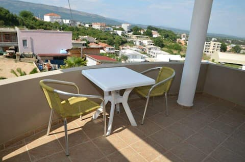 Double roomed queit and cozy apartment in Đerane