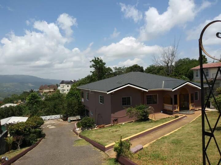 Tashari-dae Inn home away from home  king suite