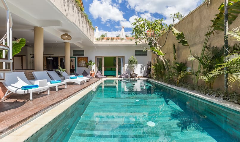 5 BDR pool, rooftop  terrace, pooltable