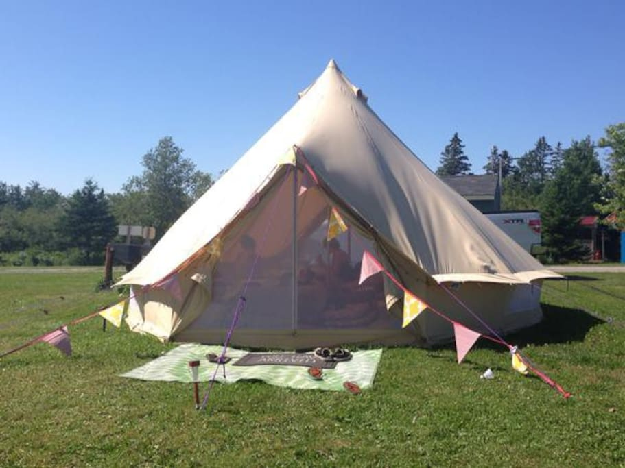 Arrive to a perfectly pitched campsite at The Lookoff Family Campground in beautiful Annapolis Valley, Nova Scotia
