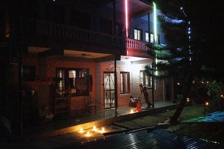 Ground floor apartment on garden and lake view - Pokhara - Haus
