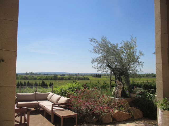 Provencal farmhouse, beautiful view - Saint-Roman-de-Malegarde - Apartamento