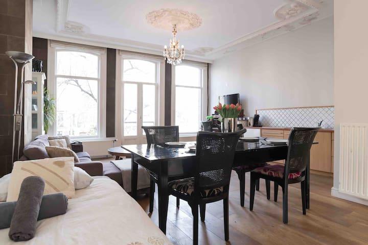 Klassiek Appartement met Balkon.