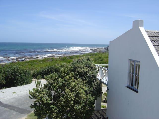 Beach Cottage 1