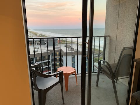 Studio condo with amazing sunrise ocean views