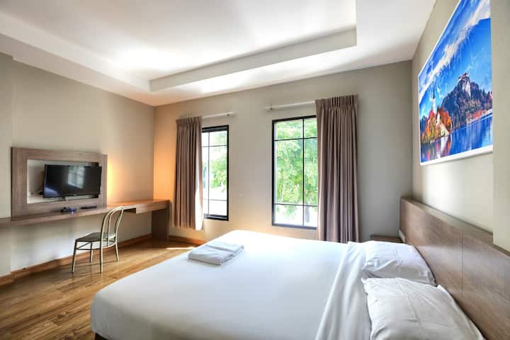 Superb Deluxe Room at Panini Residence