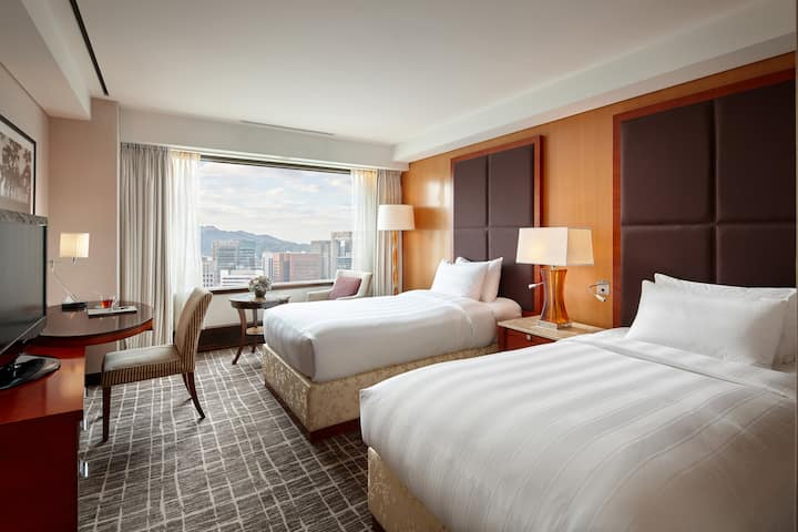 Superior Twin by LOTTE HOTEL Seoul