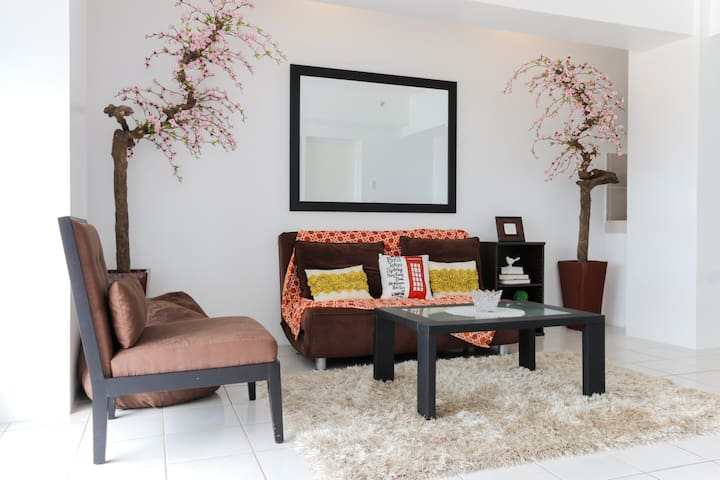 A VERY RELAXING/SPACIOUS 2BR W/WIFI - Tagaytay - Appartamento