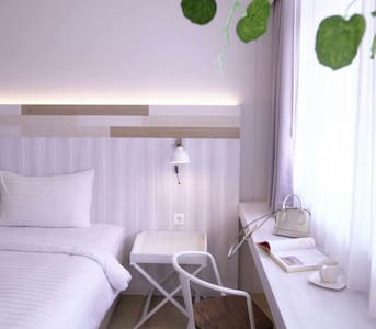 Beehive Boutique Hotel - Bandung - Bed & Breakfast