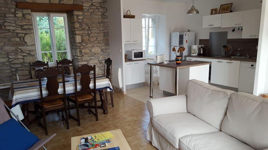 Maison de vacances dans village de Saint Julien