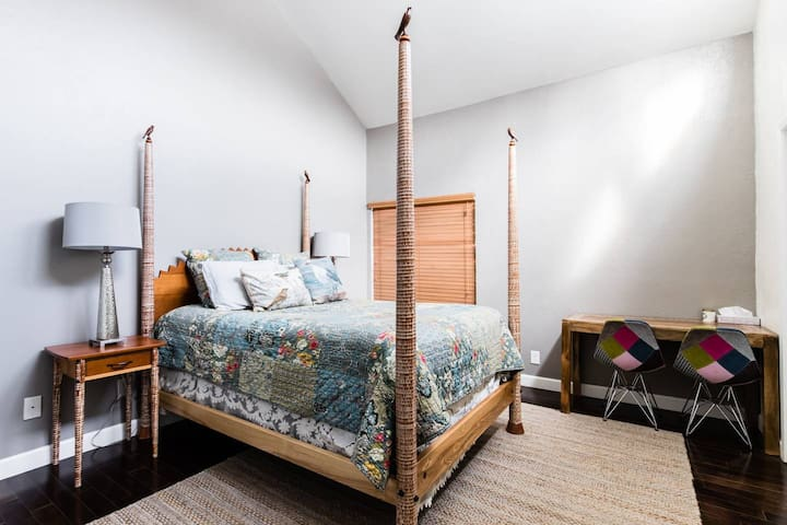 Neat Guest Bedroom in Rustic modern Home(Room 2)