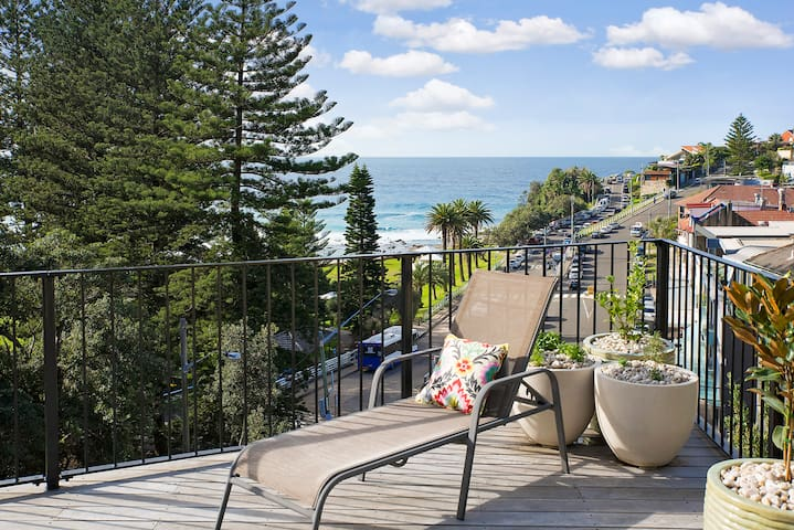 Bronte Beach House with Oceanview's