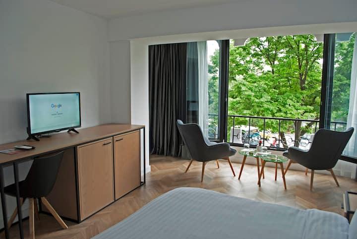 Prime Hotel Room 102