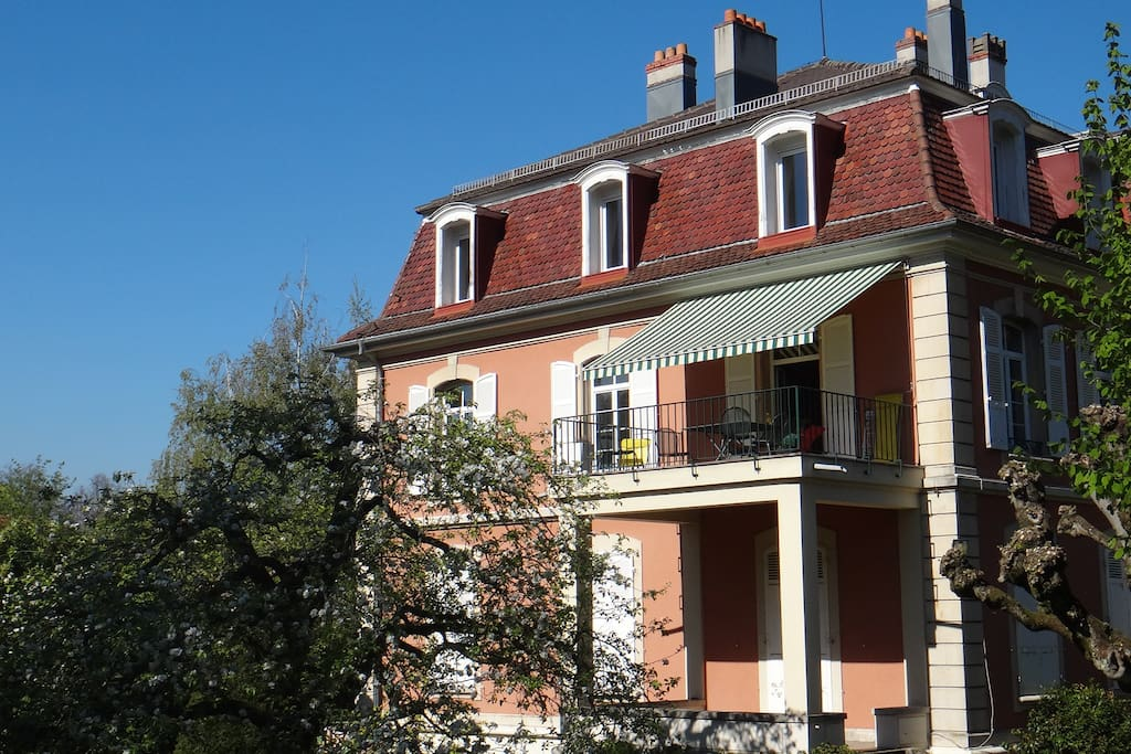Grand appartement avec jardin et terrasse appartamenti - Restaurant terrasse jardin grenoble mulhouse ...