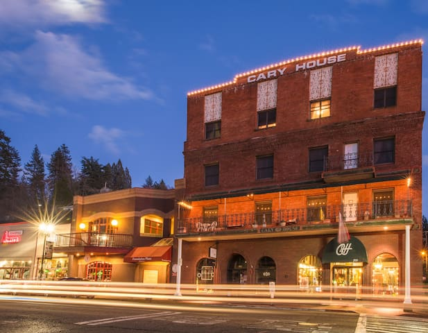One bedroom king suite in downtown Placerville - Placerville - Hotel butik