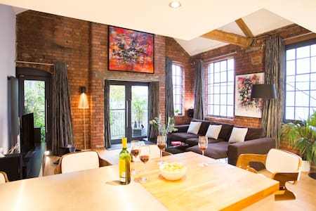 """Luxurious"" 2 Bed Loft Apartment - Bristol - Loft"
