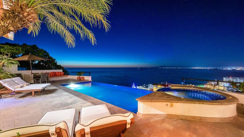 Luxury Villa Ventana (7 Bedroom) - Staff Included