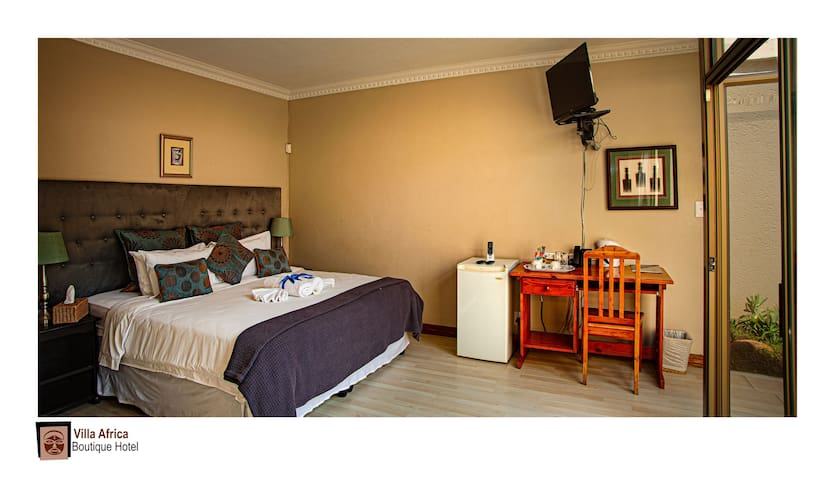 Executive Hotel Room -2 Guests- Bed & Breakfast