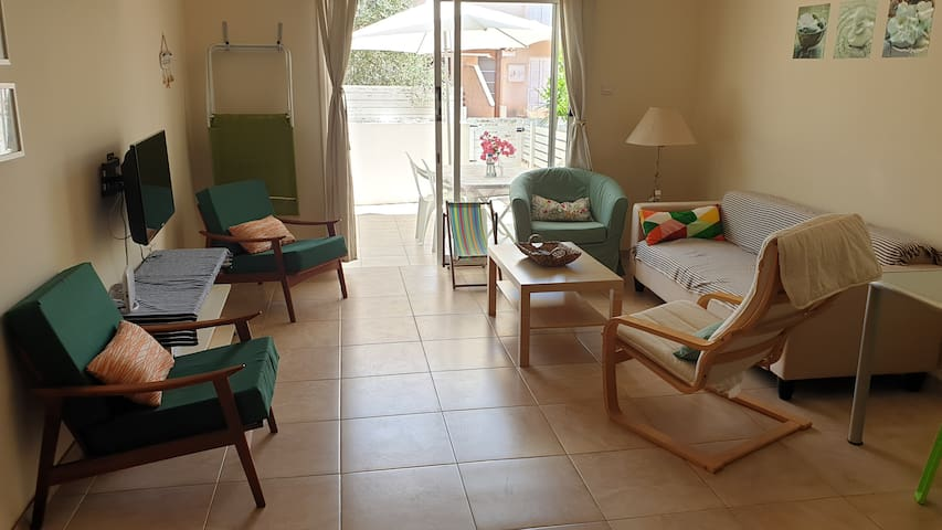 Ground floor holiday apartment, private yard, WiFi