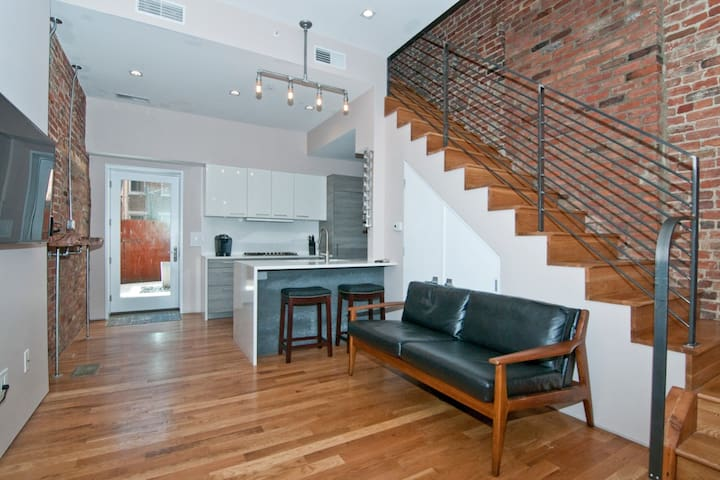 Modern 2 Bed/2Bath in the heart of Over-The-Rhine!