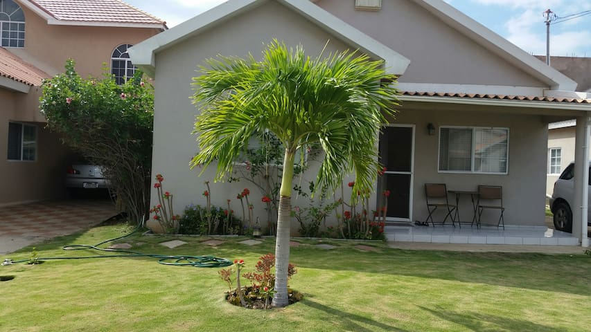 Peaceful And Cozy Oasis Bungalows For Rent In Portmore Saint Catherine Parish Jamaica