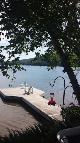 Cosy lakefront cottage amazing view - Baysville - Cabane