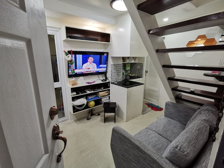 Homey LoftType Condo in the Heart of QC Timog Area