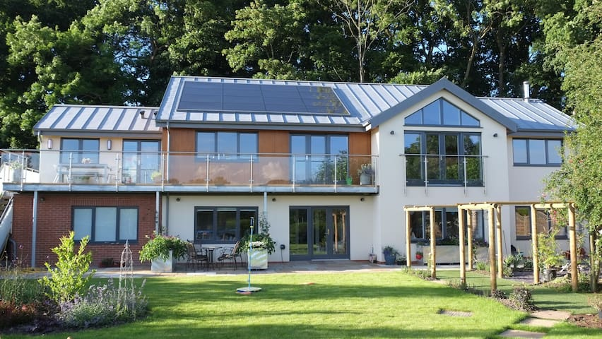Post-modernist eco-home - Warminster - House