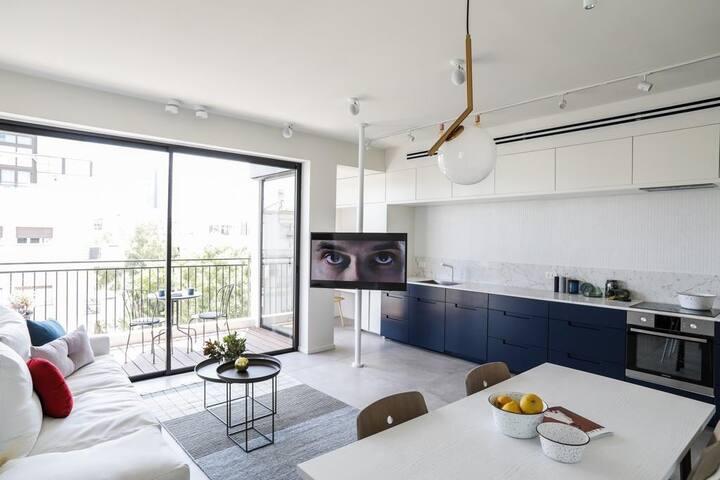 Luxury Tel Aviv Apartment near Hilton Beach