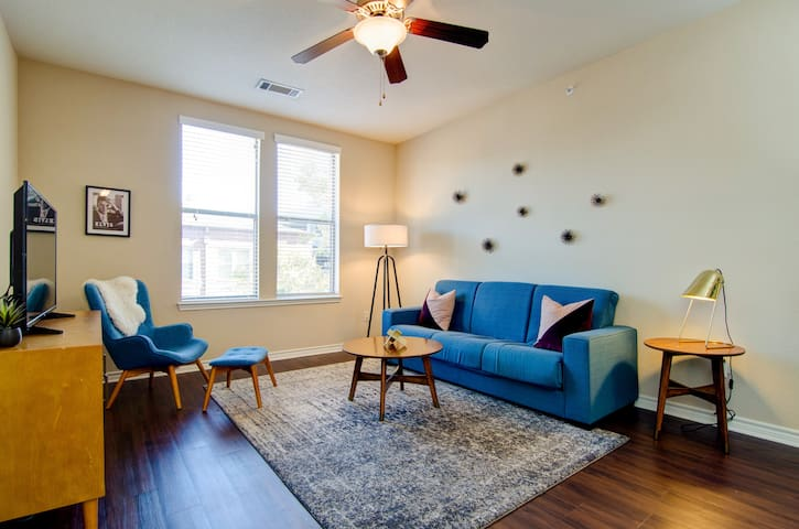 Abode | Memphis | Loft Style Apartment Close to Beale